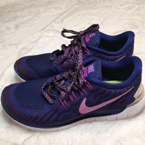 Nike athletic shoe size 9